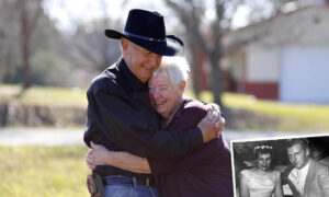 Teen Couple Who Met in the '50s Get First Photoshoot After 60 Years of Marriage