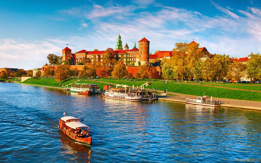 Wawel,Castle,Famous,Landmark,In,Krakow,Poland.,Picturesque,Landscape,On