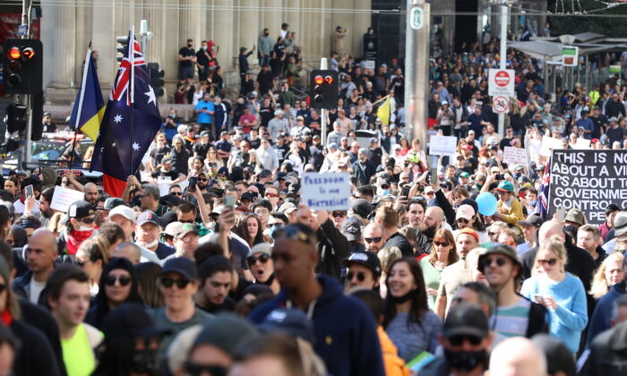 Thousands of people gather in Melbourne's CBD to protect lockdown restrictions in Melbourne, Australia, on Aug. 21, 2021. (Getty Images)