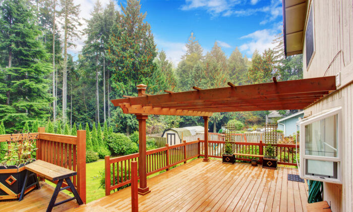 One of the most common and easy-to-build shading systems is a trellis-style structure that covers the top of the deck.(Artazum/Shutterstock)