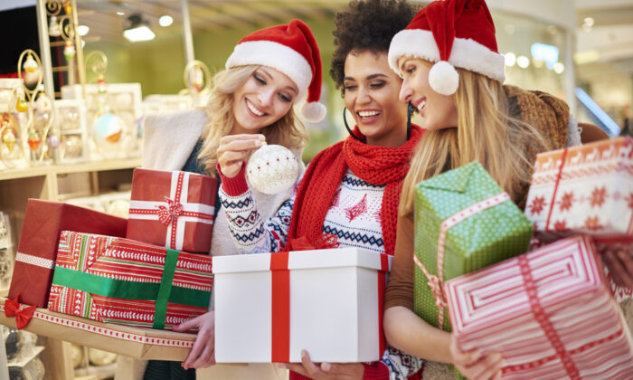 All the holiday magic you want to create needs to start with having a Christmas budget. (gpointstudio/Shutterstock)