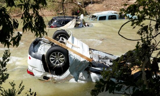 Survivors Grapple With Aftermath of Deadly Tennessee Flood