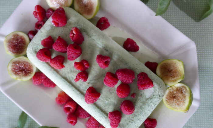 Top with fresh berries and crunchy cookies for a refreshing ending to a summer meal. (Victoria de la Maza)