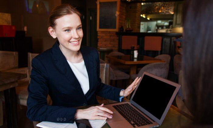 Female manager. (Pixabay)