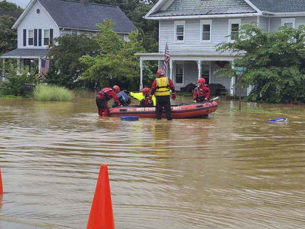 first-responders-help-residents