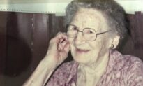 The Family Table: A Grandmother's Legacy of Love, Home Cooking, and Coffee Cake Mornings