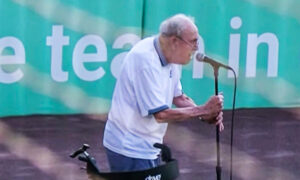 VIDEO: 96-Year-Old Veteran Sings National Anthem at Baseball Game—and He's 'Darn Good'