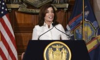 Foreigners May Replace Unvaccinated Health Care Workers in New York State: Governor