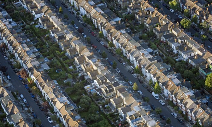 An aerial view of terraced houses in south west London on Aug. 13, 2017. (Victoria Jones/PA)