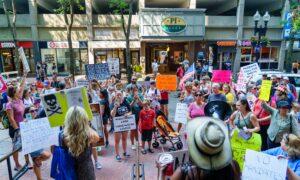 Boston Parents Protest Mask Mandate in Massachusetts Schools