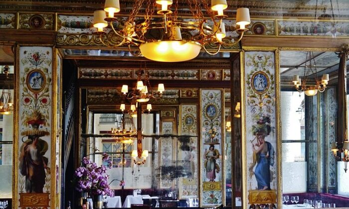 The Grand Véfour has been serving fine dining to Parisians for more than 200 years. (Zairon/Wikimedia Commons via CC BY-SA 4.0)