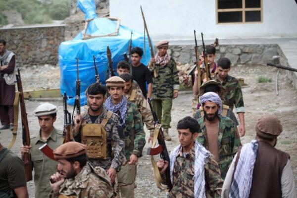 Men prepare for defense against the Taliban