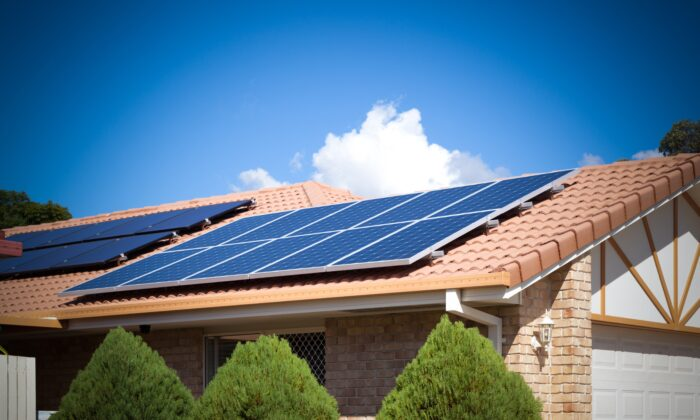 Australian's uptake of rooftop solar is on the rise. (孤飞的鹤/Adobe Stock)