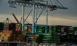 US Supply Chains Struggle as Economy Reopens