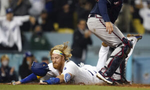 Dodgers Rally Past Braves for Sweep, Scherzer Leaves After 6