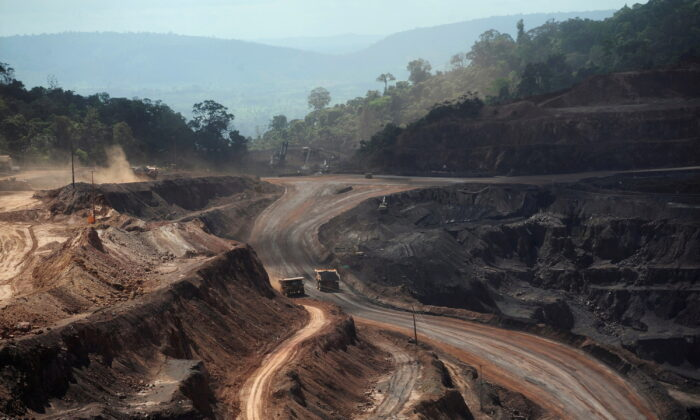 An overview of Ferro Carajas mine in the Carajas National Forest in Parauapebas, Para State, Brazil, on May 29, 2012. (Lunae Parracho/Reuters)