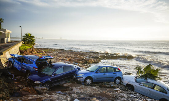 Floods Sweep Cars Into Sea, Damage Homes in Northeast Spain
