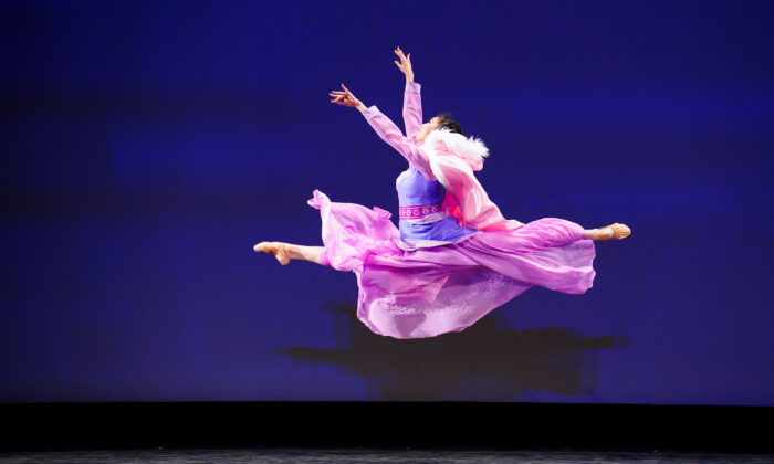 Marilyn Yang performed in the Adult Female Division of the 9th NTD International Classical Chinese Dance Competition in New York state on Sept. 4, 2021. (Larry Dye/The Epoch Times)