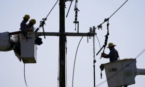 Over 500,000 Louisiana Residents Still Without Power 8 Days After Hurricane Ida