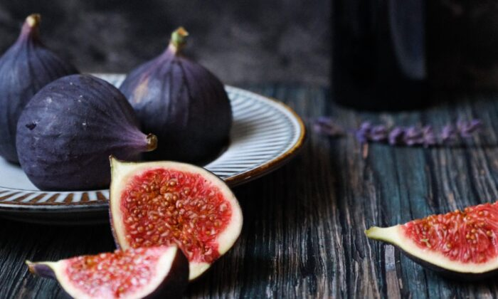 Fresh figs have a short season, from late summer into fall, so grab them while you can. (Victoria de la Maza)