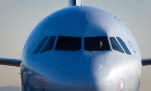 Airline Professionals, Passengers Unite Against Vaccine Passports