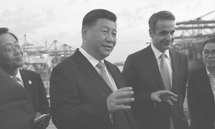 Chinese leader Xi Jinping (L) and Greek Prime Minister Kyriakos Mitsotakis visit the cargo terminal of Chinese company Cosco in the Port of Piraeus, Greece, on Nov. 11, 2019. (Orestis Panagiotou/AFP via Getty Images)