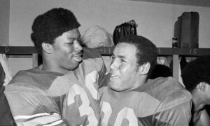 Sam Cunningham, Who Starred at USC and in NFL, Dies at 71