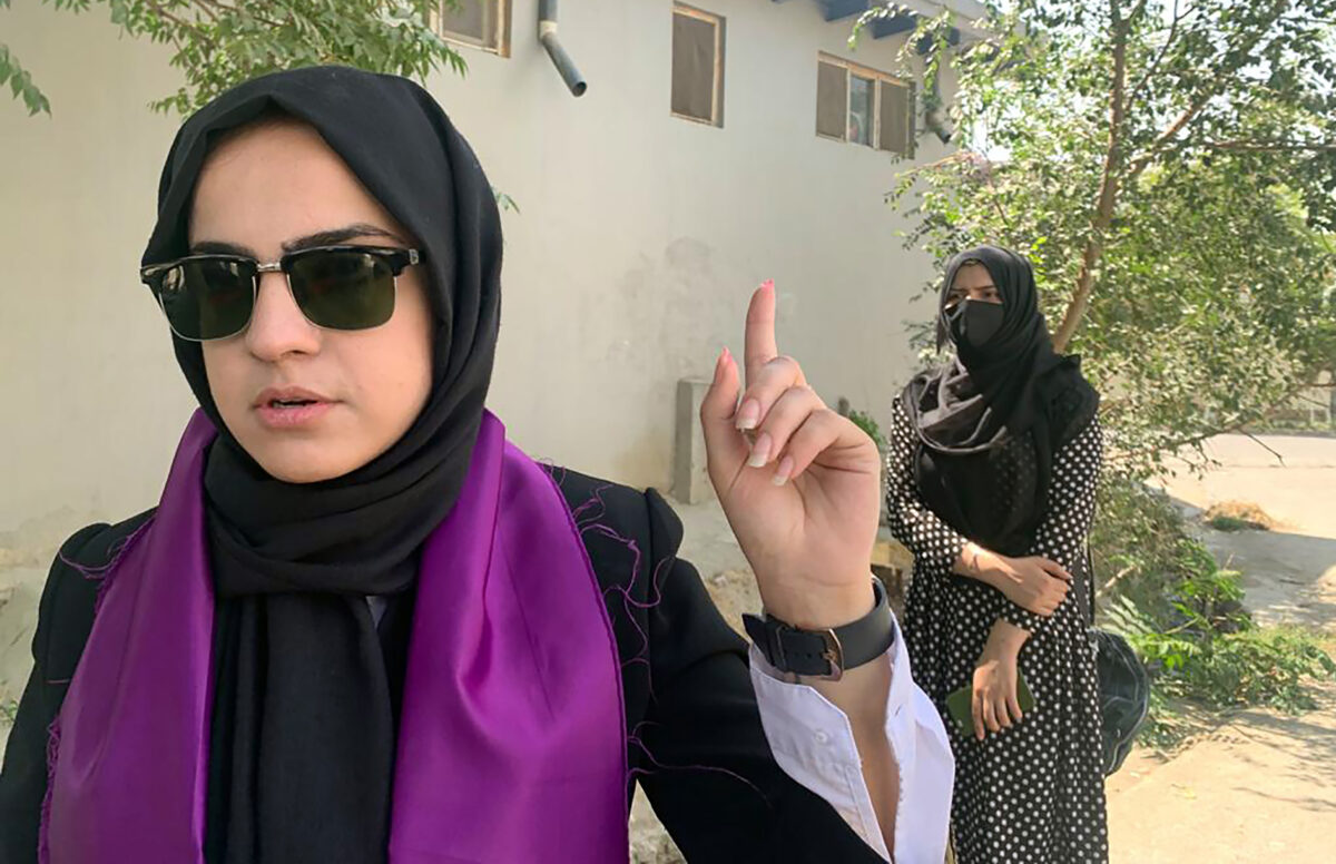 Taliban Orders Kabul Government Female Employees to Leave Workforce, Stay at Home