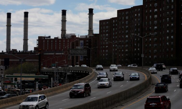 Cars travel along the FDR Drive in Manhattan, New York City, N.Y., on April 22, 2021. (Andrew Kelly/Reuters)