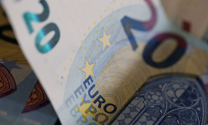 20 Euro banknotes are seen in a picture illustration, on Aug. 1, 2016. (Regis Duvignau/Illustration/Reuters)