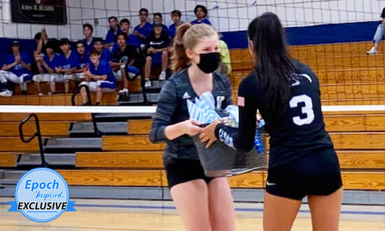 High-School Volleyball Team Surprises Opponents With Gift Baskets for Victims of Caldor Fire
