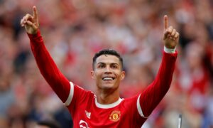 Ronaldo Takes United Top as City Win and Spurs Slump