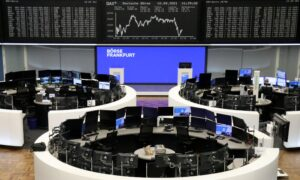 Oil, Banks Lift European Stocks on Recovery Bets