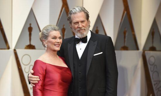 Jeff Bridges Says Tumor Shrank, COVID-19 'In Rear View Mirror'