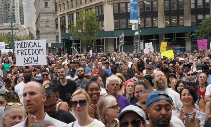 Protesters gather to oppose the new COVID-19 vaccine mandate in New York City on Sept. 13, 2021. (Enrico Trigoso/The Epoch Times)
