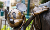 Disneyland Annual Passholders Struggle to Reserve Their Slots