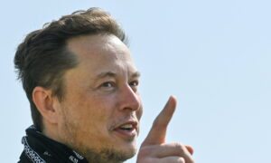 Elon Musk Expects Chip Shortage to Be Short-Lived as Production Capacity Expands