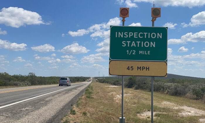 A sign near the closed Border Patrol highway checkpoint on Highway 90 near Uvalde, Texas, on Sept. 17, 2021. (Charlotte Cuthbertson/The Epoch Times)