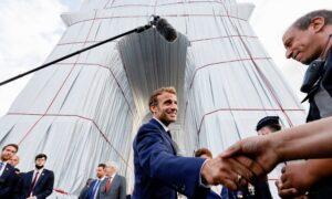 'A Crazy Dream Come True': Macron Inaugurates the Wrapped Arc de Triomphe