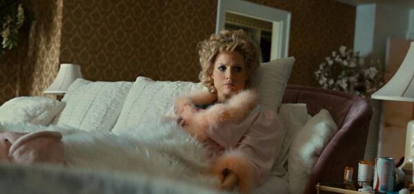 Tammy Faye in the lap of luxury