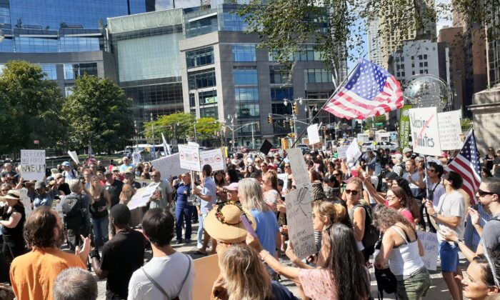 Participants at the Freedom Rally at Columbus Circle in Manhattan on Sept. 18, 2021. (The Epoch Times)