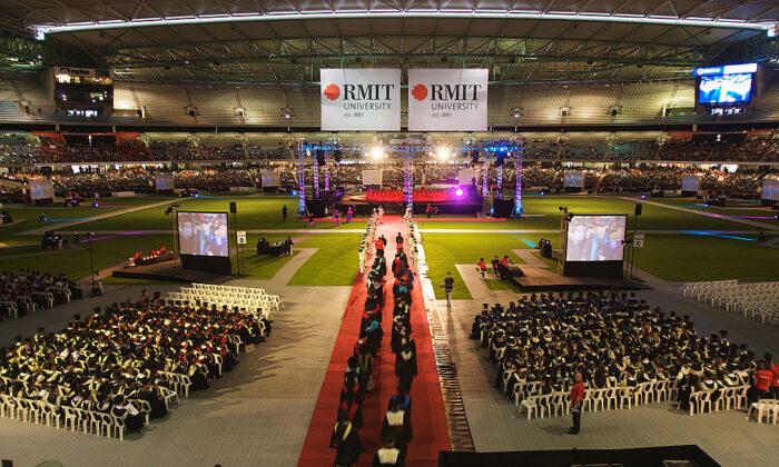 RMIT graduates gather at the Melbourne Tesltra Dome for their graduation ceremony at  Melbourne's CBD in Melbourne, Australia, on Dec. 17, 2008. (Luis Enrique Ascui / Getty Images )