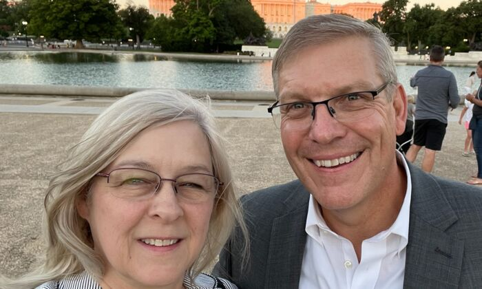 Rep. Barry Loudermilk (R-Ga.) and wife, Desiree. (Photo provided by Alabaster House)