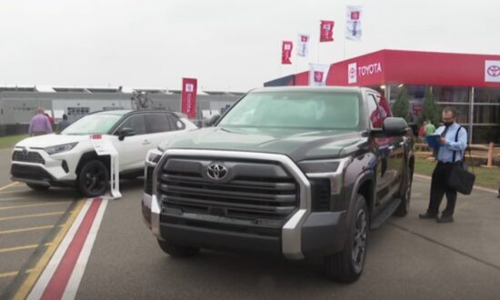 Toyota Scraps V8 in Redesign of New Tundra Truck