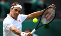 Federer Says 'Feeling Strong' After Knee Surgery