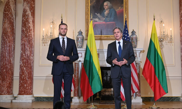 U.S. Secretary of State Antony Blinken (R) speaks with Lithuania's Foreign Minister Gabrielius Landsbergis in the Benjamin Franklin Room of the State Department ahead of a meeting in Washington, D.C. on Sept. 15, 2021. (Mandel Ngan/AFP via Getty Images)