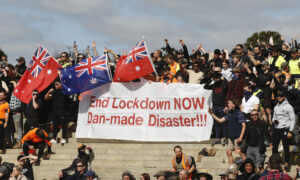 Australians Gather at Shrine of Remembrance for 3rd Day of Protests