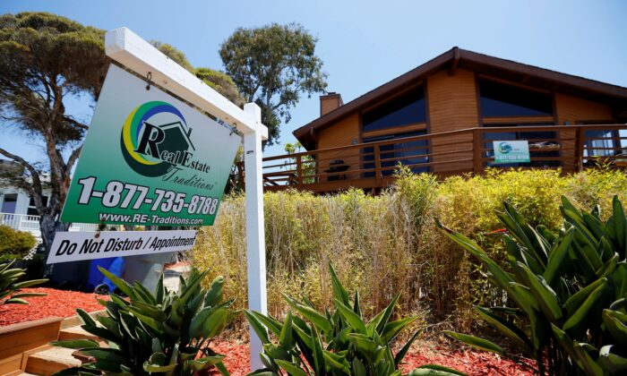 A single family home is shown for sale in Encinitas, Calif., on May 22, 2013. (Mike Blake/File/Reuters)