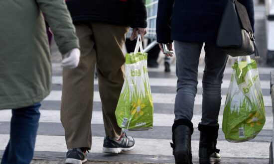 Washington State's Ban on Single-Use Plastic Bags Goes Into Effect With Penalties of Up to $250