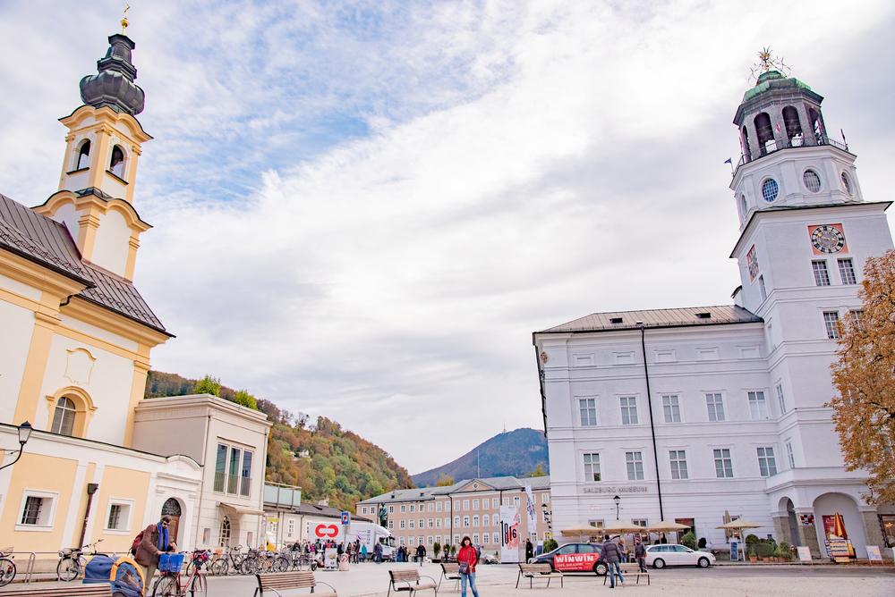 Salzburger,Weihnachtsmuseum,And,Salzburg,Museum,At,Residenzplatz,Square,In,Salzburg,